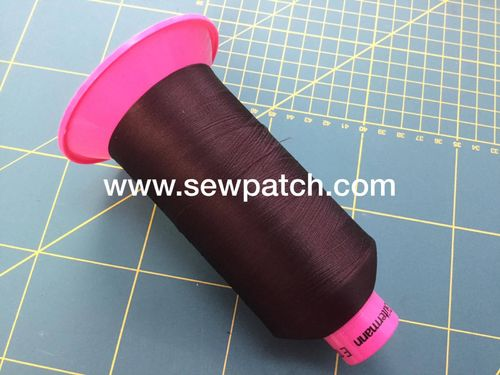 cono texturado Gutermann E121 MARRON CHOCOLATE 10000m